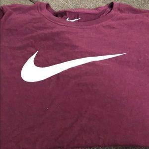 NWT Nike Maroon Size Large T-Shirt